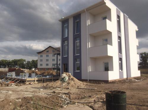 Предложение домов в пригороде Киева продолжает расти